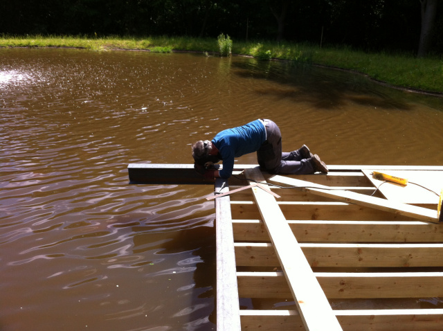 Building a suspended jetty on a private lake near London